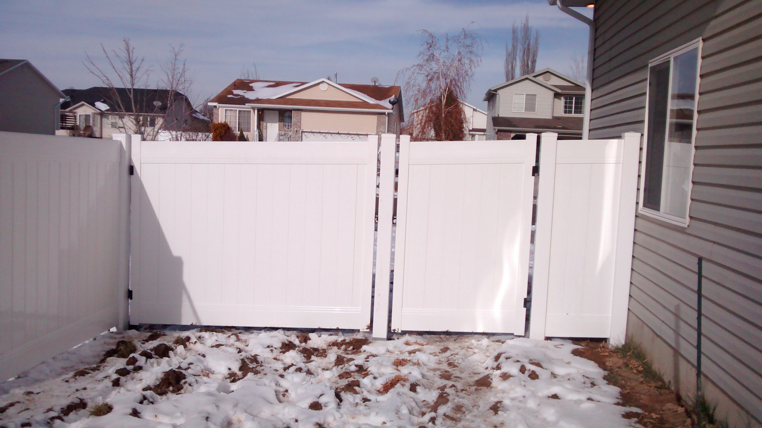 Can You Install A Vinyl Fence In The Winter A Fence Utah